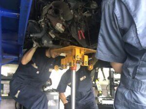 車検は自社整備工場にて実施